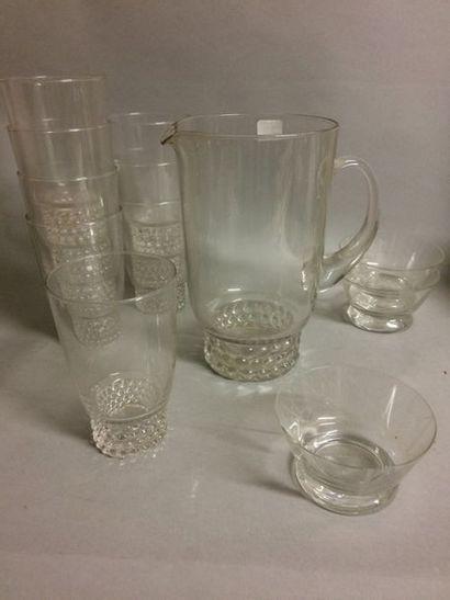 Service en cristal, 8 verres et un broc et...