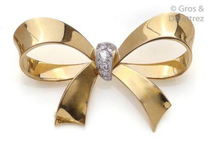 Broche «?Nœud?» en or jaune, le ruban central...