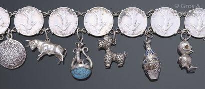 Bracelet en argent constitué de huit pièces...
