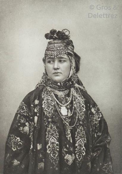 KRAFFT (Hugues). A travers le Turkestan russe....