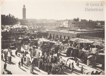 Photographe non identifié  Maroc, c. 1955.  Casablanca. Quartier de Bournazel. Militaires....