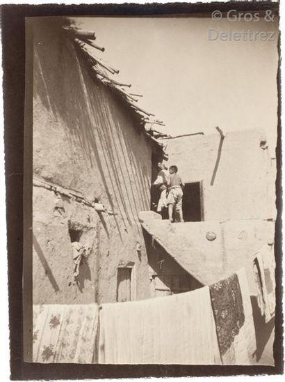 Paul Nadar (1856-1939)  Voyage au Turkestan. Août-Novembre 1890.  Enfants.  Écoliers...