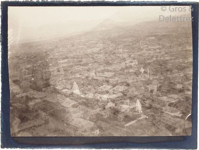 Paul Nadar (1856-1939)  Voyage au Turkestan. Août-Novembre 1890.  Tiflis.  Bain...