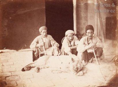 Antoine Sevruguin (1830-1933)  Perse (Iran), c. 1880.  Dompteur de lion. Dresseur...