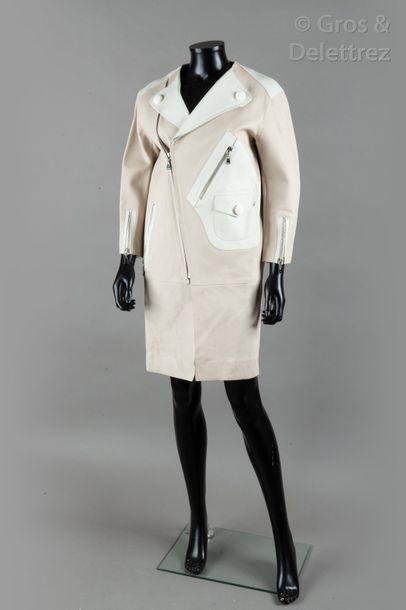 Louis VUITTON par Marc Jacobs - Collection Prêt-à-porter Printemps/Eté 2012 «Le Carrousel»...