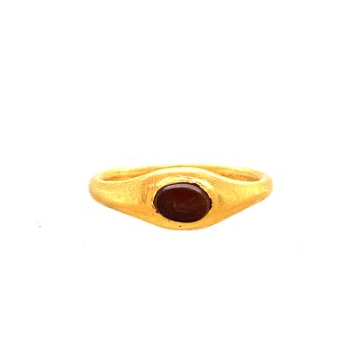 BAGUE en or (750) sertie d'une intaille ovale...
