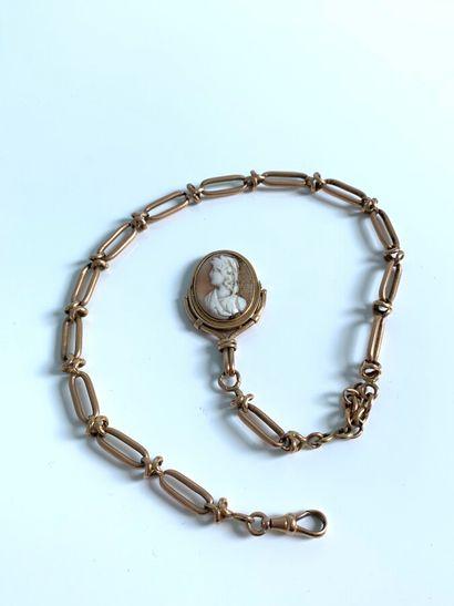 CHAÎNE de montre en or (750) à maille ovale...