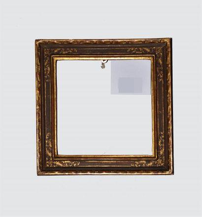 Petite BAGUETTE en bois doré rechampi ocre et or.  Style Italie.  15 x 15,5 x 3,5...