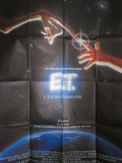 ET l'extraterrestre (1982)  de Steven Spielberg...