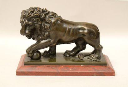 Ecole romaine? du XIXème siècle  Lion de...