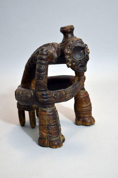 Importante sculpture représentant un personnage...
