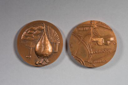 LHOSTE  Deux médailles en bronze  Commémoration...