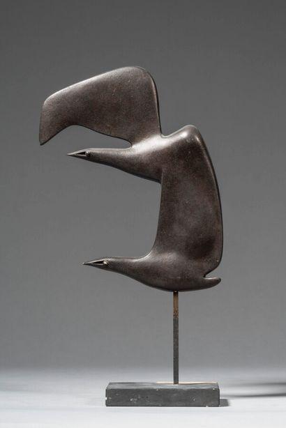 LHOSTE  Oiseau plat deux têtes  Plâtre patiné...