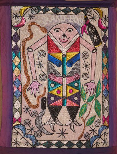 Grand Bois  Oriflamme de perles et sequins cousus sur tissu  102 x 80 cm