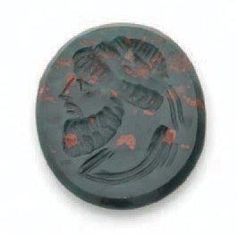 INTAILLE ovale gravée d'un profil d'empereur...