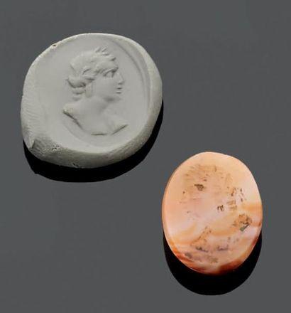 INTAILLE ovale gravée d'un buste d'empereur...