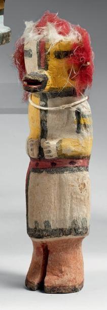 Kachina à la coiffure de laine rouge Hopi,...