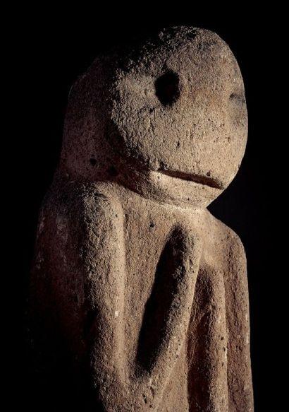 Exceptionnelle idole Tiponi dite « Implorant de Santa Fé » Pueblos, pré hopi, Arizona,...