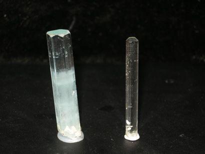 Lot de deux AIGUE MARINES: un joli cristal...