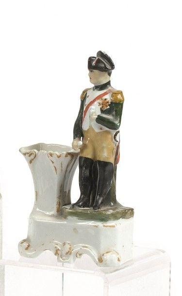 ENCRIER en porcelaine à l'effigie de l'Empereur....