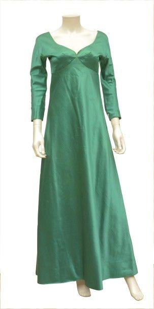 JACQUES GRIFFE: Robe longue en soie émeraude...