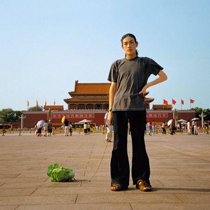 HAN BING (Né en 1974)  Walking the Cabbage,...