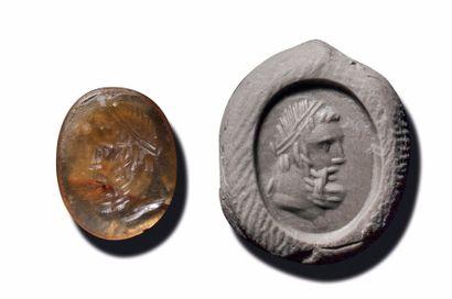 INTAILLE ovale gravée d'une tête d'Hercule...