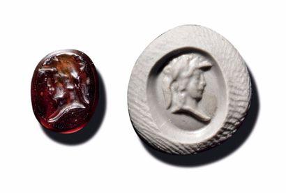 INTAILLE ovale figurant un buste de Minerve...