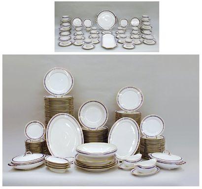 SERVICE DE TABLE en porcelaine blanche de...
