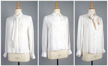 1 - CÉLINE ParisCHEMISIER en crêpe blanc brodé du monogramme de la marque avec cravate...