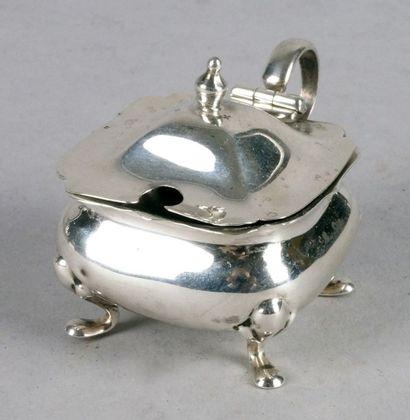 PETIT MOUTARDIER en argent anglais quadripode....