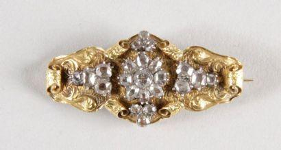 BROCHE en or jaune guilloché d'époque Louis-Philippe...