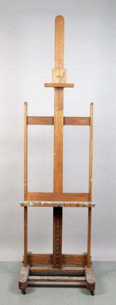 CHEVALET en frêne. H. montants: 156 cm Provenance:...
