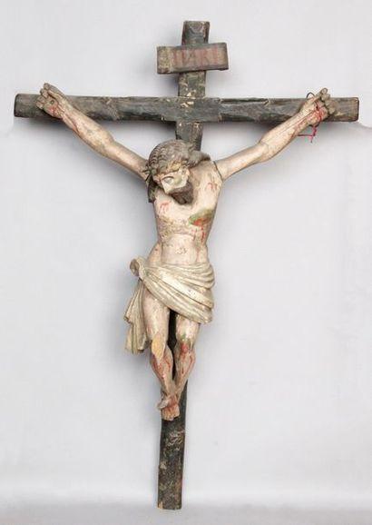 CRUCIFIX AVEC CHRIST en bois sculpté et polychromé....