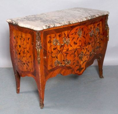 COMMODE de style Louis XV à deux tiroirs…