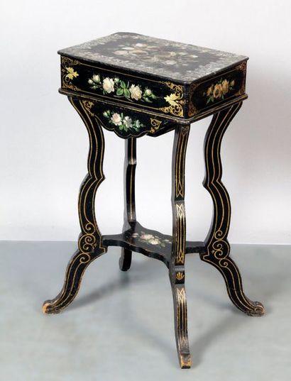 TABLE TRAVAILLEUSE d'époque Napoléon III...