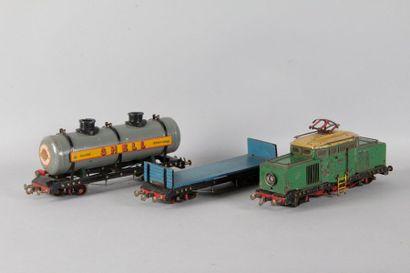 Train d'enfant motrice et 2 wagonsEDOBAUD...