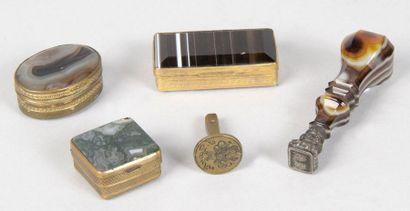 1 - SCEAU monogrammé en agate et métal argenté...
