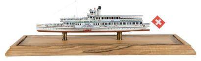 Petite maquette d'un bateau des lacs Suisses...