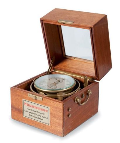 Chronomètre de bord en laiton Marque «Glashütte»...