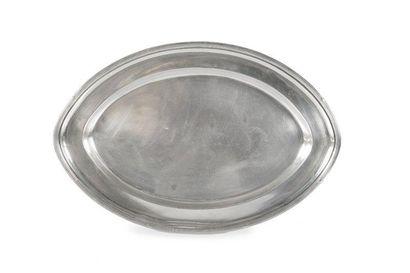 Plat ovale en métal argenté de la White Star...