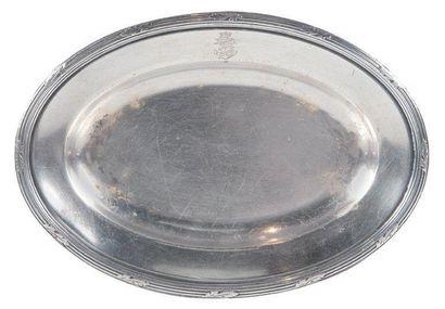 Petit plat ovale Métal argenté des Messagerie...
