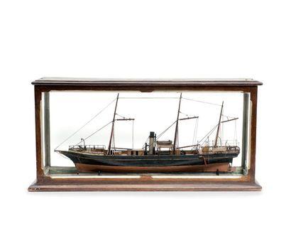 Maquette du paquebot mixte «Pirogolette» Epoque XIXème siècle. Sous vitrine. 75...