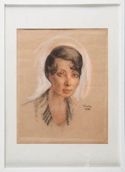 Henri Jean PONTOY (1888-1968) Portrait de dame. 1932. Pastel. Signé et daté en bas...