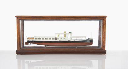 Maquette d?un bateau fluvial 23 x 53 x 15...