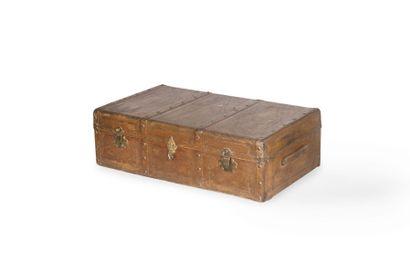 Malle de voyage en cuir XIXème siècle. 35...