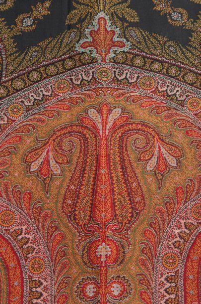 Châle de coton en indienne.330 x 160 cm.