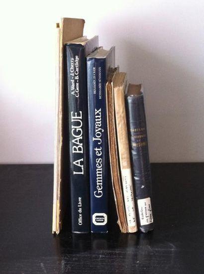 Lot de 7 ouvrages :
