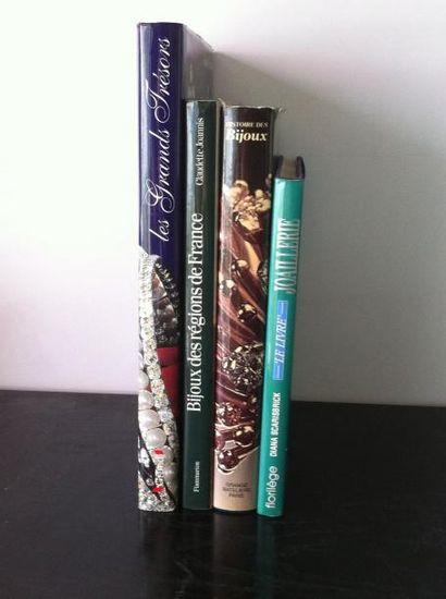 Lot de 4 ouvrages :