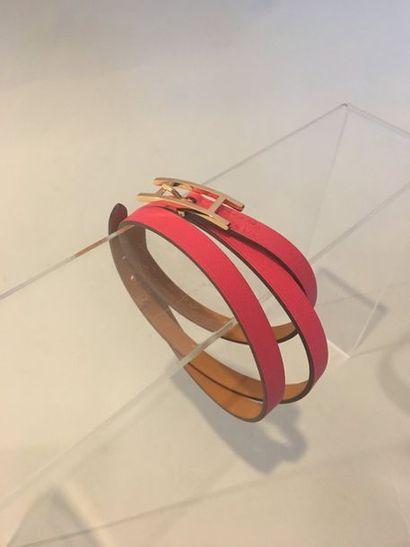 HERMES Bracelet en veau swift framboise boucle...
